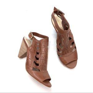 NWOT Vince Camuto Evelin Sandals